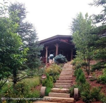 Art House Basalt, Front Landscaping
