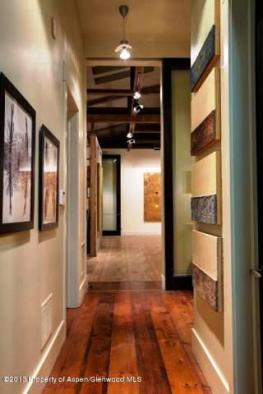 Art House Basalt, Hallway